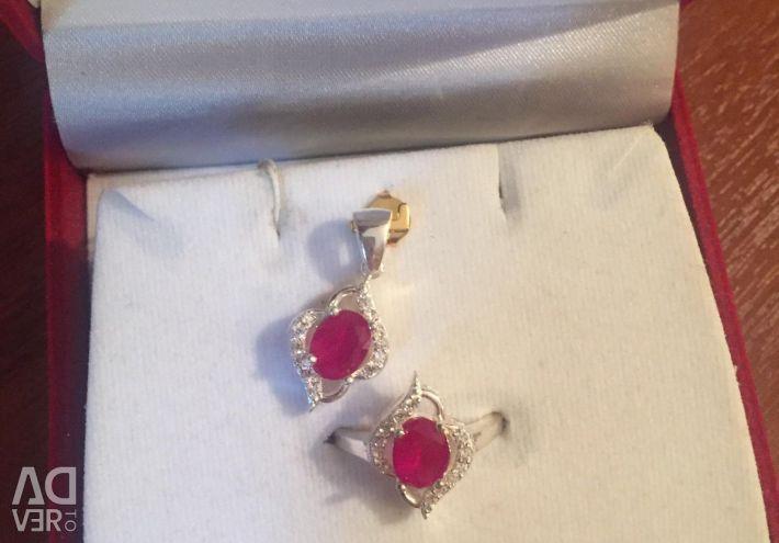 Set of earrings ring pendant