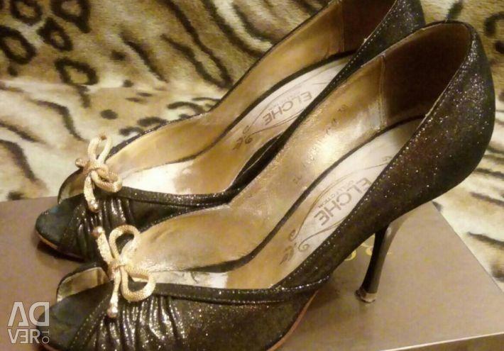 Shoes. Size 38