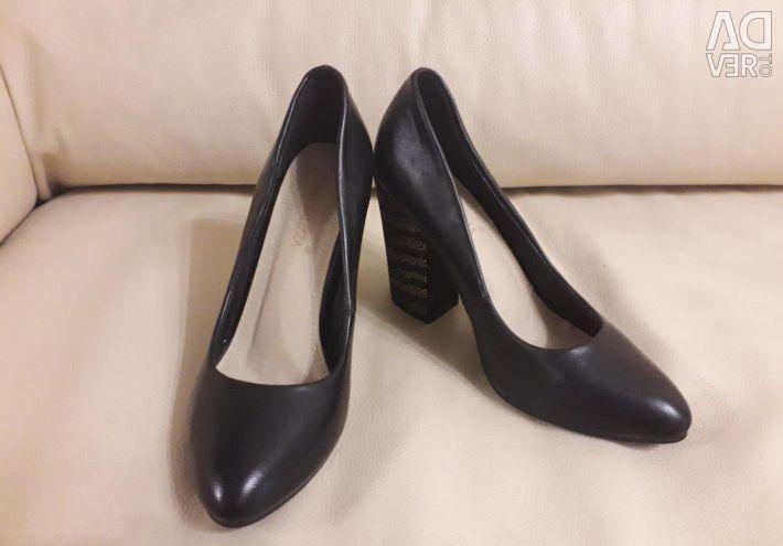Pantofi noi pentru primăvară