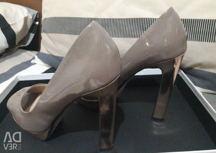 Παπούτσια peep toe, no 39, μεταλλικά,φορεμένα 2 φορες,σε άριστη καταστ
