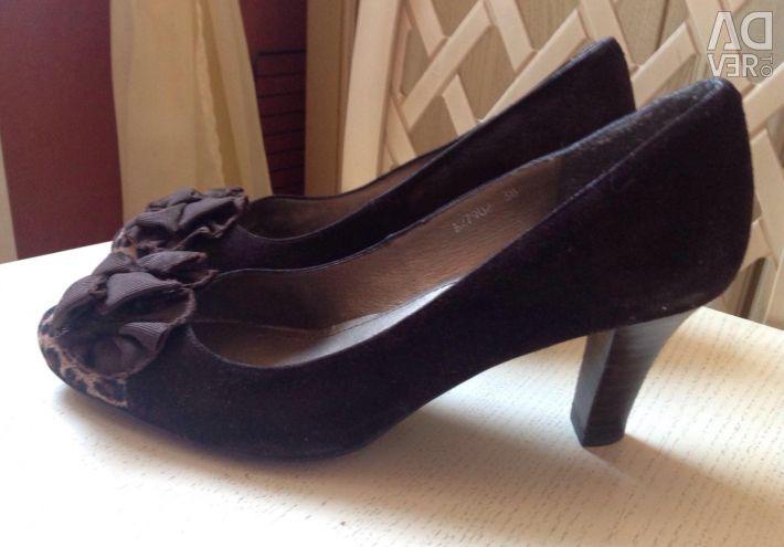 Ayakkabılar, s.38