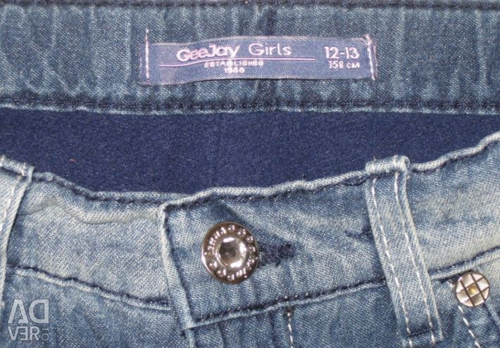 12-13 litrelik bir kız için sıcak kot pantolon (yükseklik 158-164 cm)