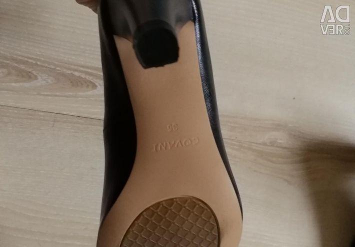 Shoes black nat. NEW, 35 r