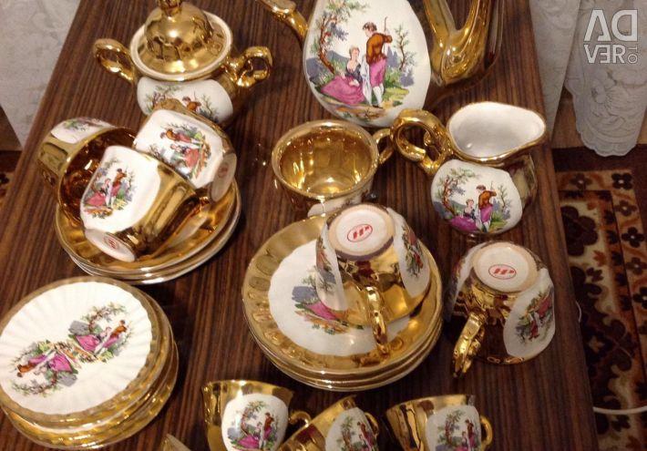 Tea plus coffee set.