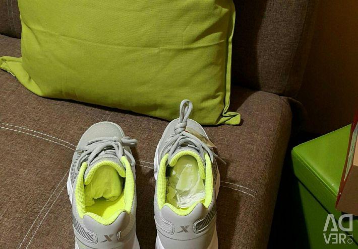 New Xtep sneakers original