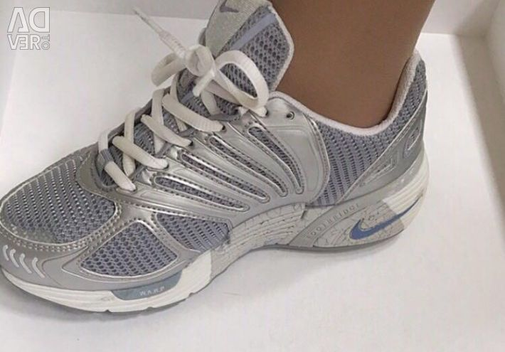 Adidași Nike (original) Nou