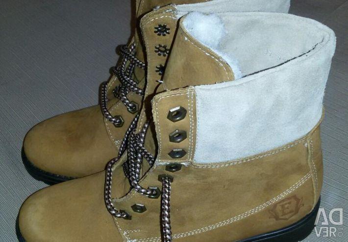 Γυναικεία δερμάτινα παπούτσια νέα 36-37 р.