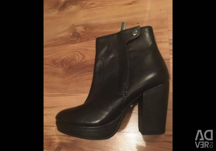 New ankle boots leather H & M
