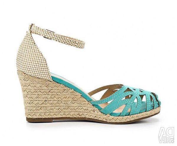 Sandals J & Elisabeth England