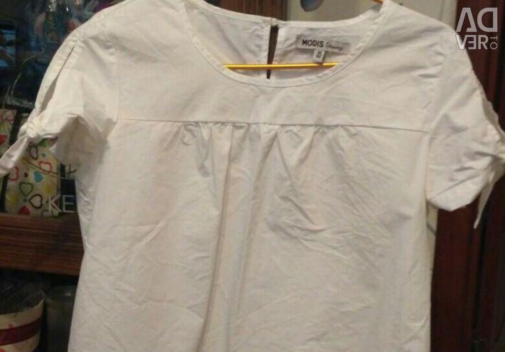Snow white blouse