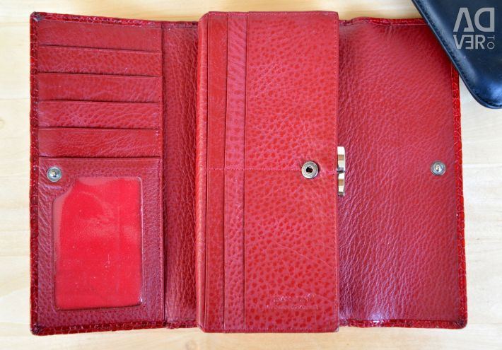 Women's leather wallet Hassion red