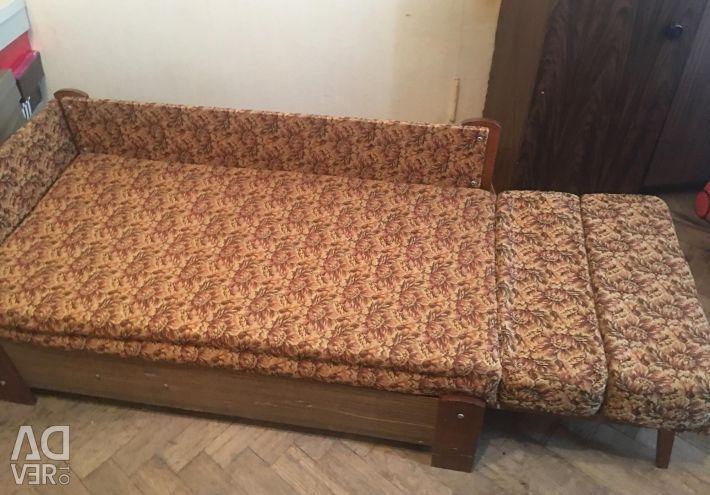 Αναδιπλούμενο καναπέ με συρτάρι