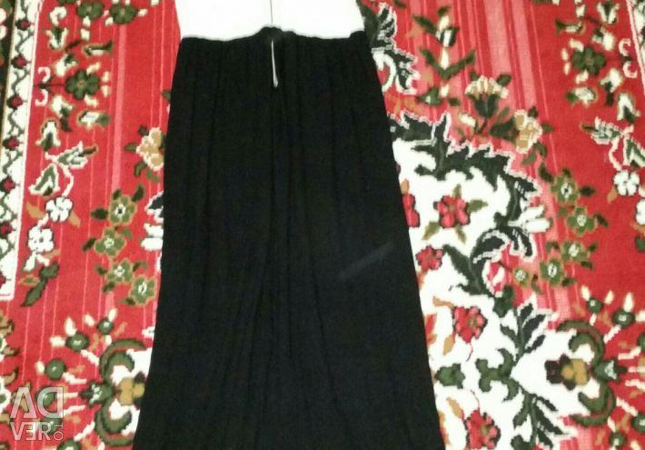 Φόρεμα στο πάτωμα μάνγκο