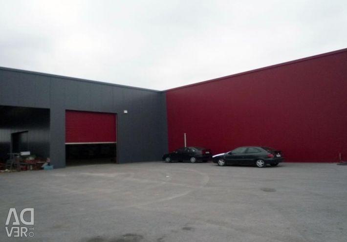 Δύο παρακείμενα βιομηχανικά κτίρια, α) 604,03 τ.μ.