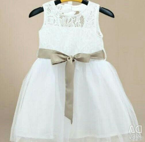 Noi rochii albe elegante