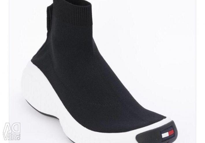 Τα παπούτσια Tommy Hilfiger