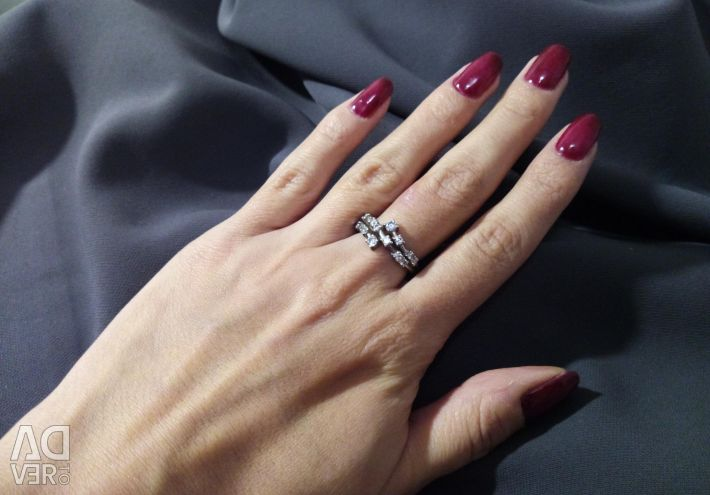 Silver ring with pheonite