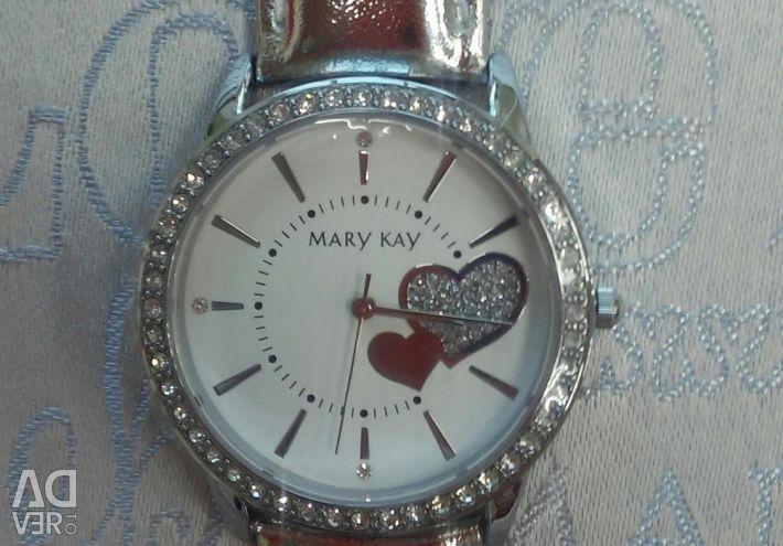 Women's wristwatch with hearts