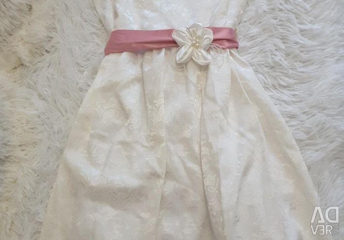 Rochie pe înălțime de 152 cm. Cu un bolero.