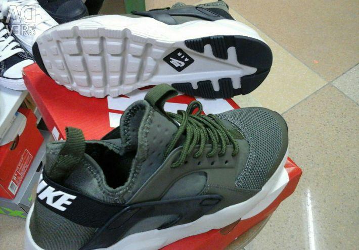Nike HUARACHE sneakers for sale