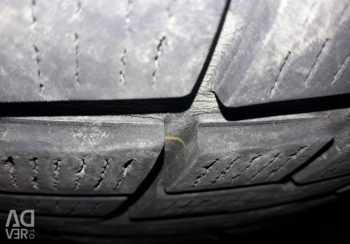 I will sell the Japanese winter tires YOKOHAMA R17.