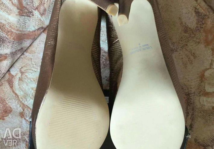 Colin Stuart shoes, size 9 (Ross. 39)