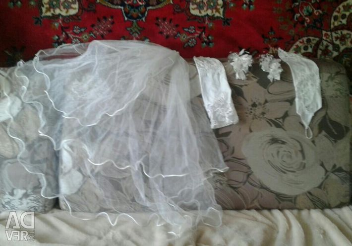 Свадебный комплект платье на шнуровке пнрчатки ф