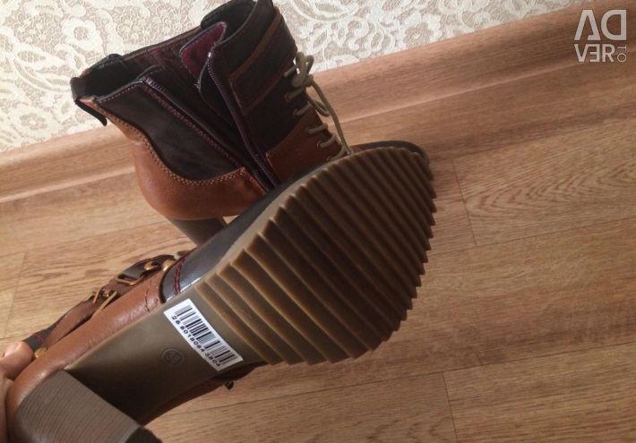 Νέες μπότες αστραγάλου 38r.