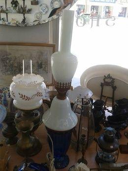 Vintage επιτραπέζιες λάμπες από λευκό γυαλί