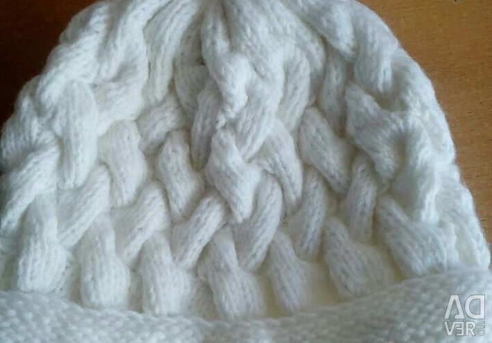 Knitted hat, new