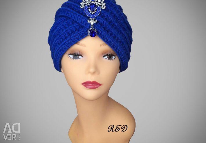 Turban with cornflower brooch