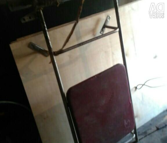 Wall-mounted tourniquet