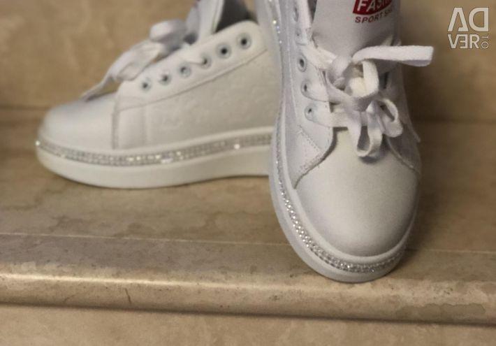 Women's sneakers with rhinestones