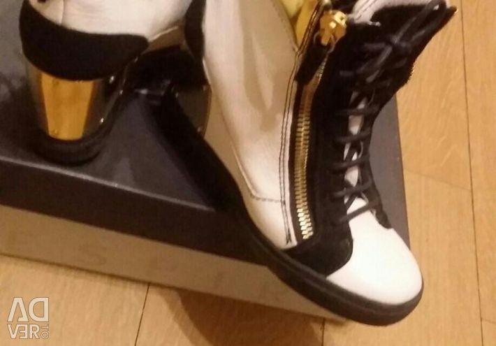 Sneakers Maranta sneakers on the platform