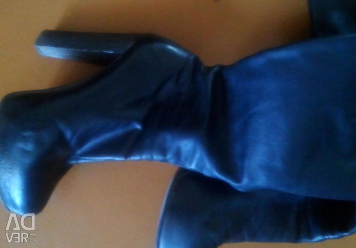 Women's boots. Size 38,5