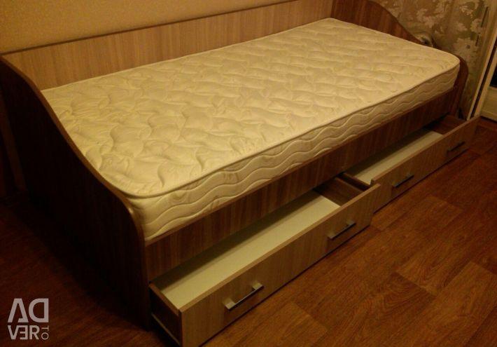 Новая. Кровать односпальная с ящиками