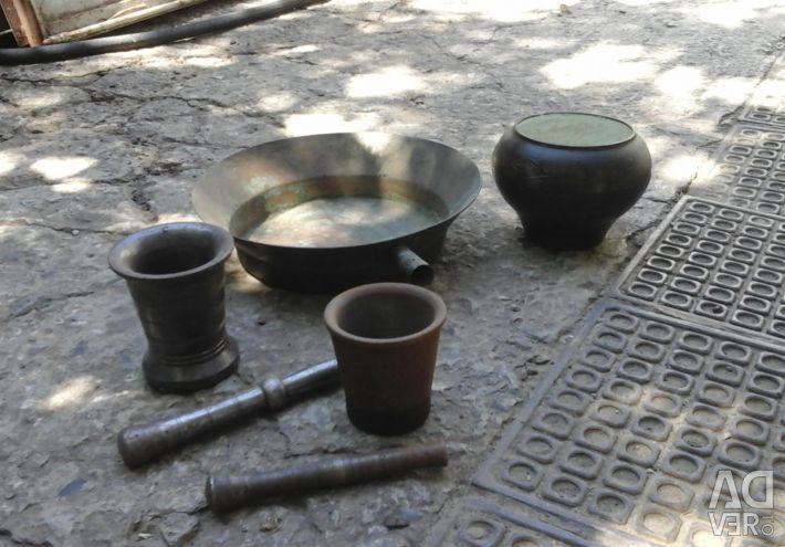 Copper basin, mortars and cast-iron