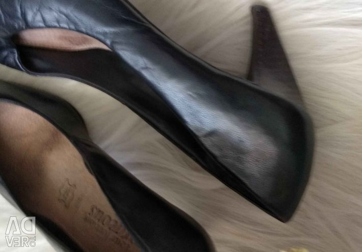 Shoes leather black high heel size 36 37