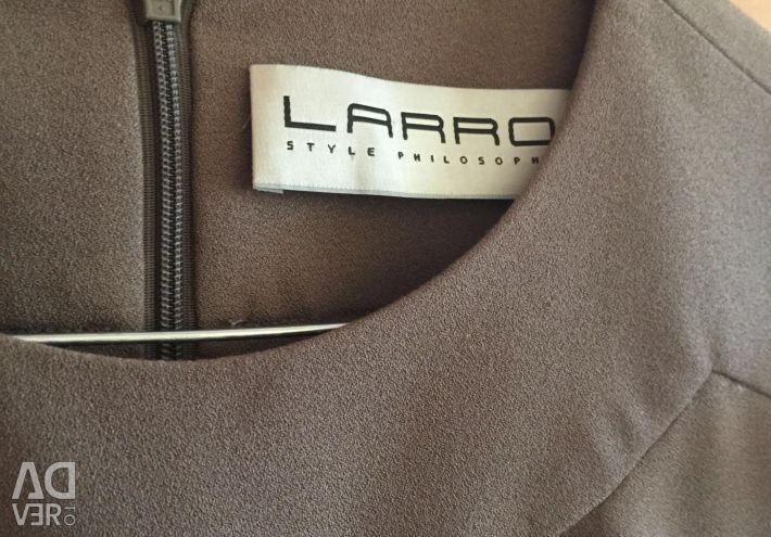 LARRO rochie