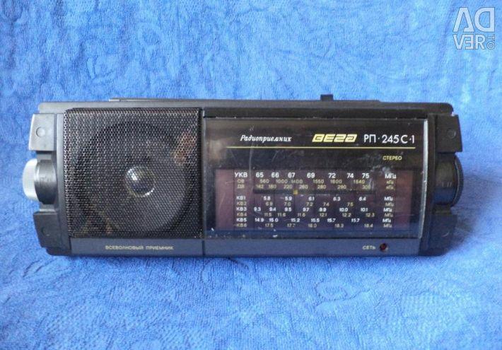 Radio Vega RP-245S-1 with FM, 1993