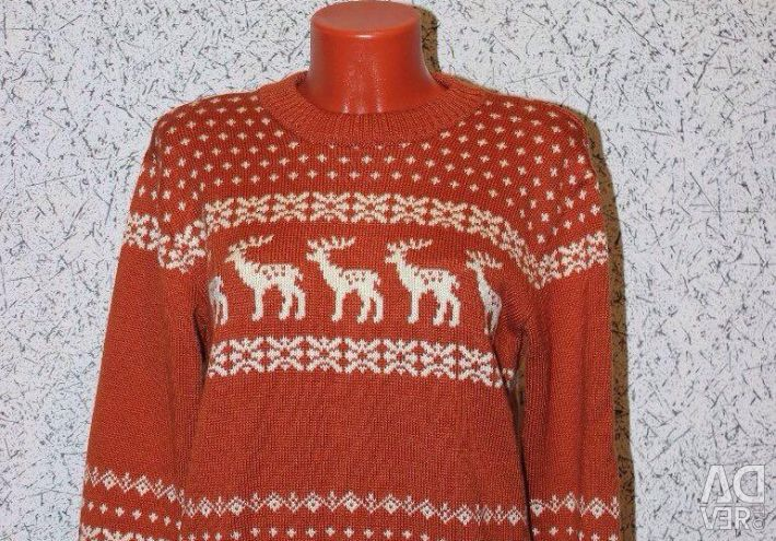 Sweater with a deer