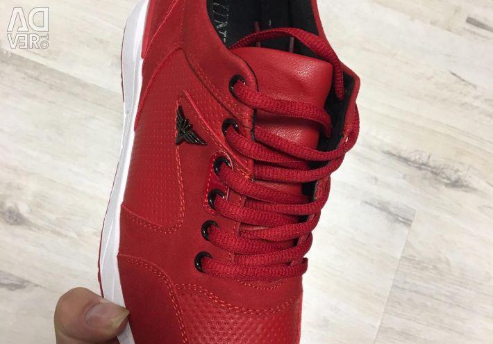 Кросівки нові 😍😍😍