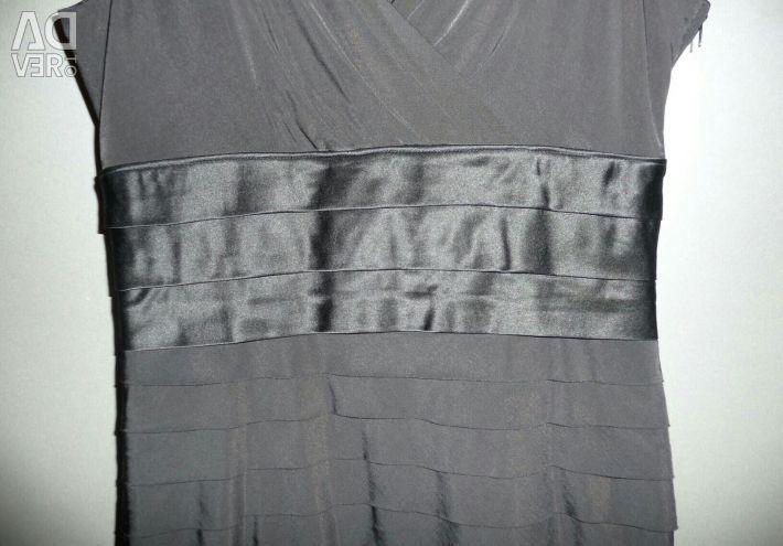 Φόρεμα στην έξοδο της Vera Mont