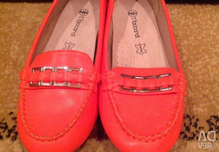 Moccasins new 37 r