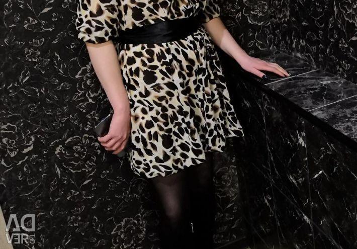 Το φόρεμα είναι τίγρης