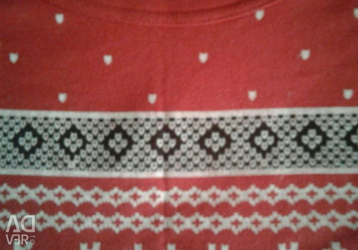 Sweater red, with ornament