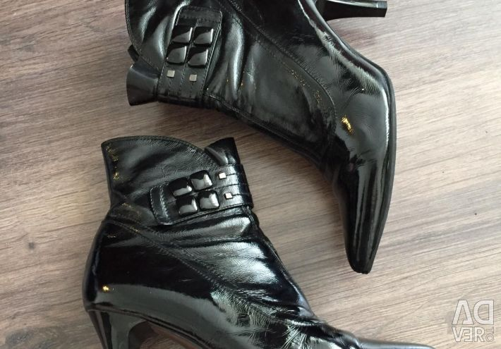 Ankle boots, patent leather, 36р