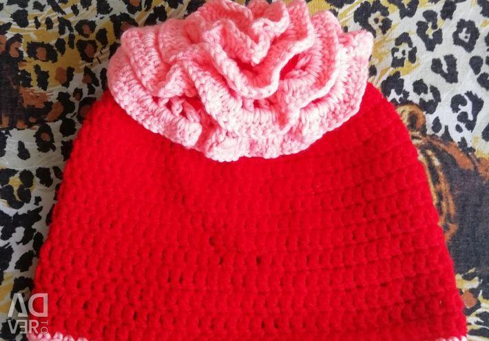 Children's hat for a girl.