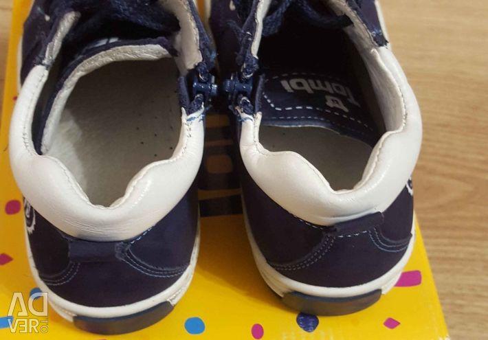 Sneakers 28