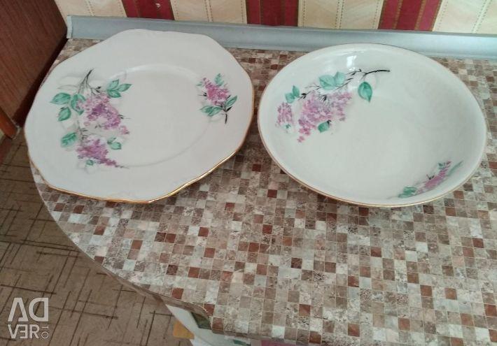 Flat dish and deep salad bowl
